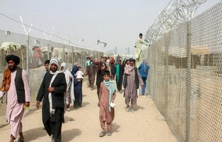 Cresce o número de refugiados no Afeganistão. Caritas teme pela presença cristã no país